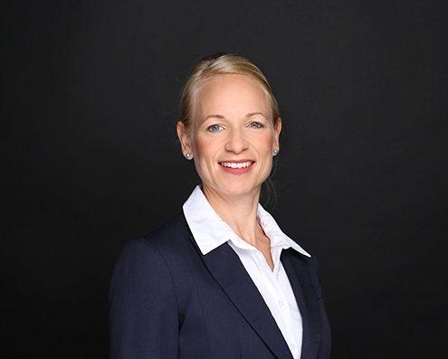 Bettina Höll - Managing Director - Tax accountant
